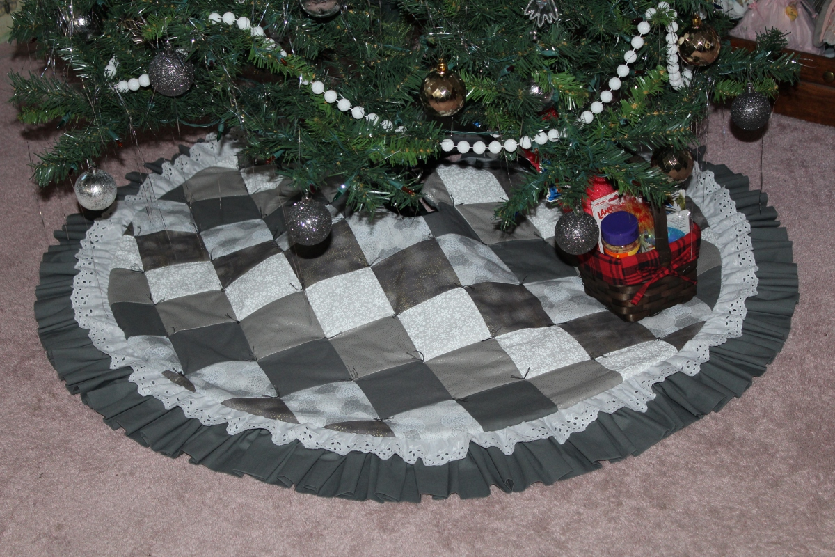 My Quilted Tree Skirt